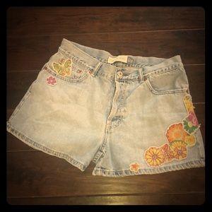 Vintage Gap Flirty Festival Jean Shorts!